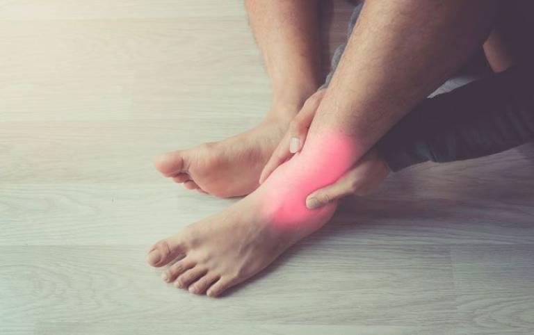 Viêm khớp cổ chân nguy hiểm không?