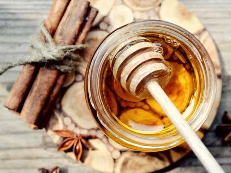 Công thức mật ong kết hợp với quế