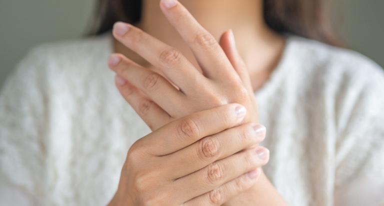 Bệnh viêm khớp dạng thấp có nguy hiểm không?
