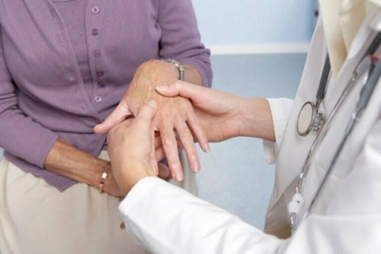 Viêm khớp dạng thấp có chữa khỏi không?