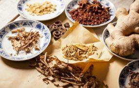 8 bài thuốc Đông y trị đau nhức xương khớp công hiệu