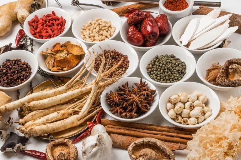 Bài thuốc Đông y trị đau nhức xương khớp thể thấp nhiệt