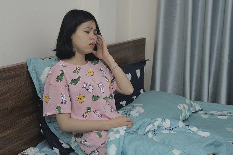 Mệt mỏi, chán nản bởi căn bệnh viêm xoang hành hạ, chị Nga tìm kiếm nhiều phương pháp chữa bệnh nhưng bất thành