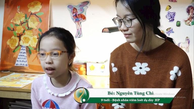Chị Lâm Thanh và bé Tùng Chi sau khi chữa khỏi bệnh tại Thuốc dân tộc