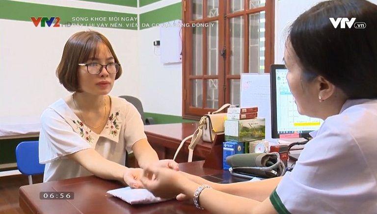 VTV2 ghi lại hành trình chị Thỏa điều trị tại Trung tâm Thuốc dân tộc