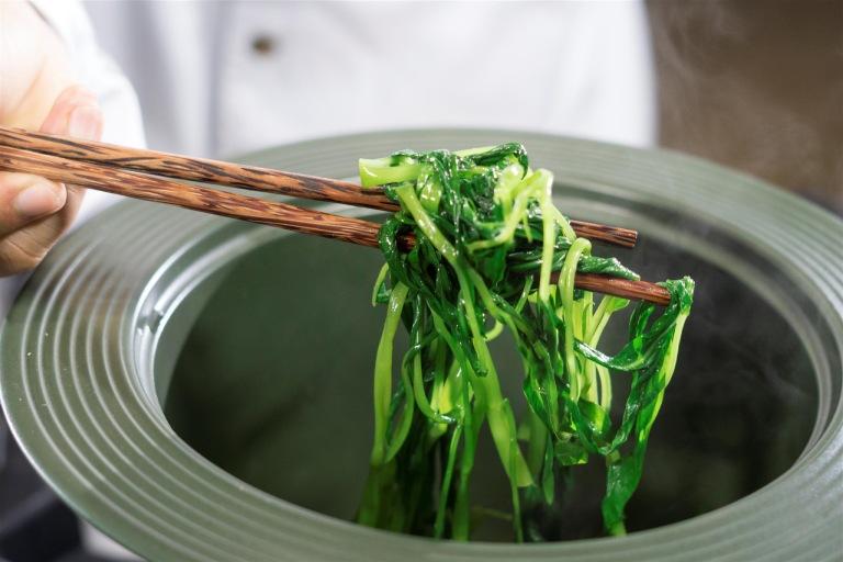 Bị bệnh trĩ có nên ăn rau muống? Giải đáp