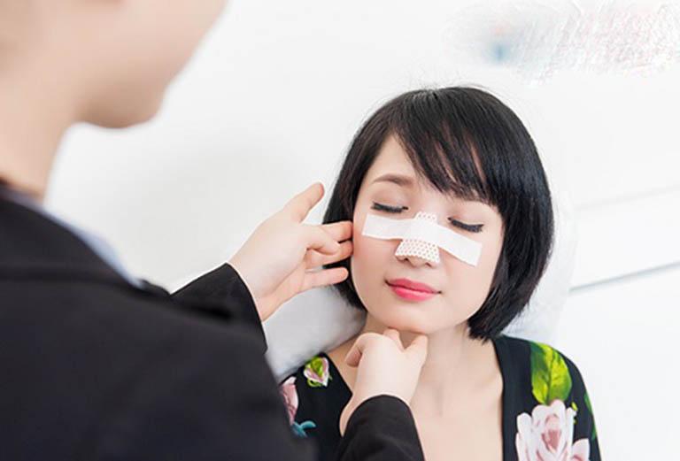Dấu hiệu nhiễm trùng sau khi nâng mũiDấu hiệu nhiễm trùng sau khi nâng mũi