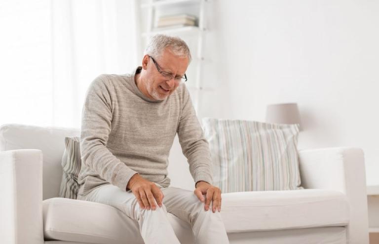 Bệnh gai cột sống có nguy hiểm không? Có chữa được không?