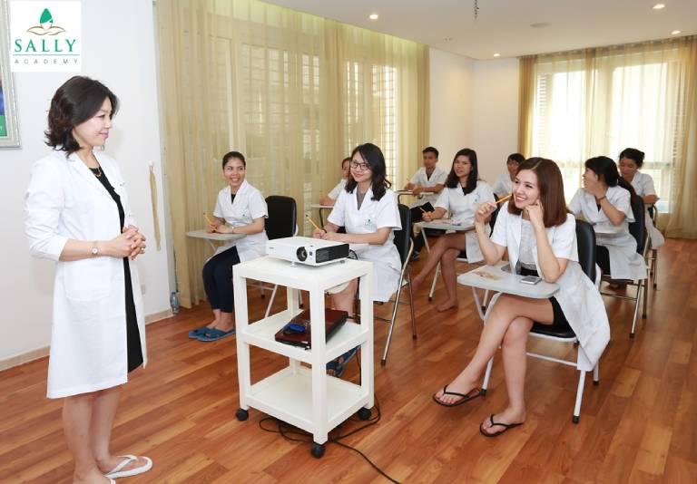 Học viện đào tạo nghề làm đẹp Sally Academy