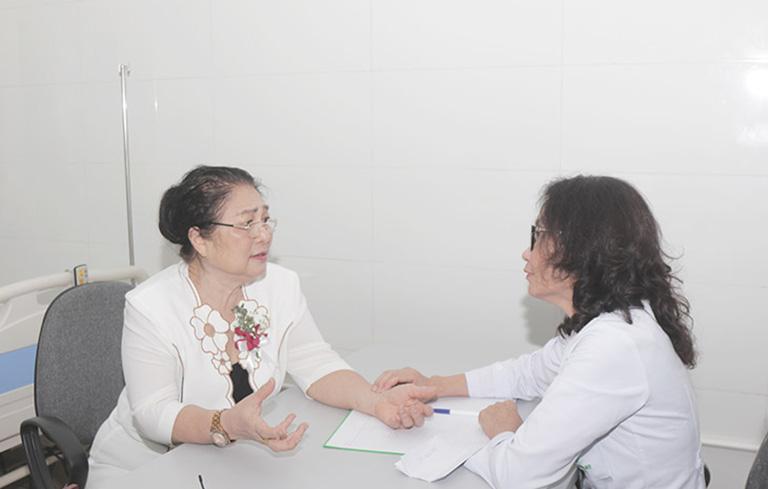 Nghệ sĩ Kim Xuyến gặp lại bác sĩ Lê Phương