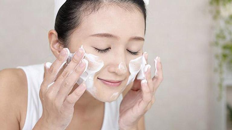 Top 11 sữa rửa mặt cho da nhạy cảm tốt nhất không lo dị ứng