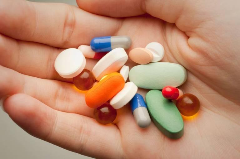 Bệnh trĩ nội độ 1 có thể được điều trị bằng thuốc uống hoặc thuốc đặt