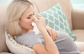Đau họng nghẹt mũi là triệu chứng của các bệnh đường hô hấp thường gặp nhưng có thể gây nguy hiểm ở bà bầu