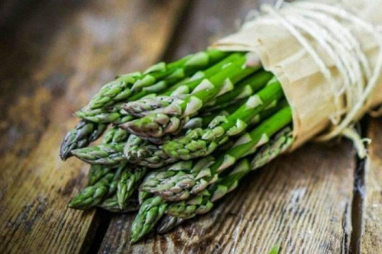 Khi bổ sung măng tây vào khẩu phần ăn, bạn nên chọn mầm non vì nó giàu giá trị dinh dưỡng nhất