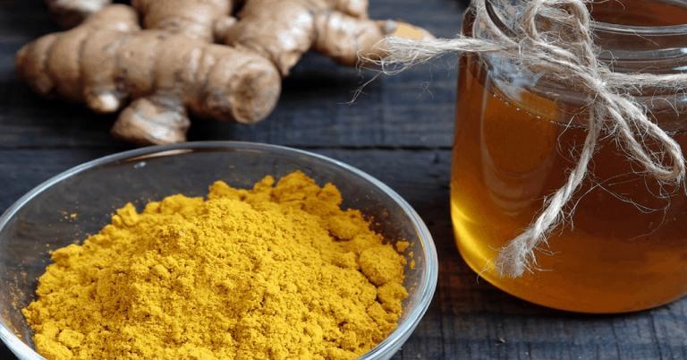 Mẹo giảm cơn đau dạ dày tức thời bằng bột nghệ và mật ong