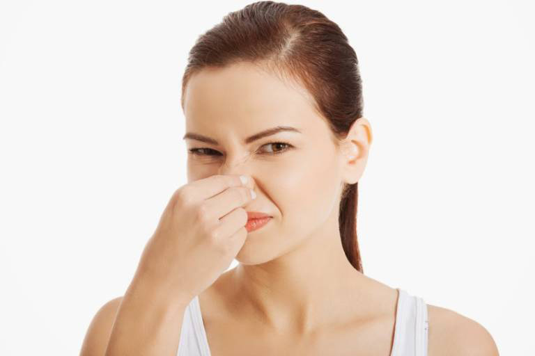 Ứ dịch sau nâng mũi