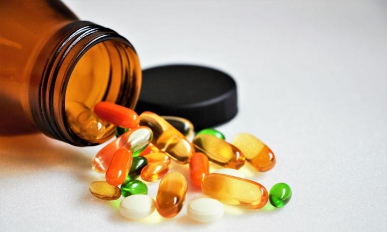 Lạm dụng thuống chống viêm, thuốc giảm đau