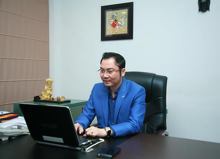 bác sĩ phẫu thuật thẩm mỹ giỏi tại Hà Nội