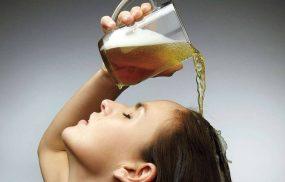 Trị nấm da đầu bằng bia chỉ là mẹo, không thể thay thế thuốc đặc trị