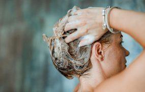 cách trị nấm da đầu dân gian