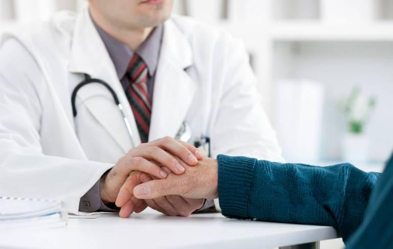 Trò chuyện trao đổi trung thực với bác sĩ sẽ giúp vấn đề của bạn được giải quyết nhanh chóng hơn