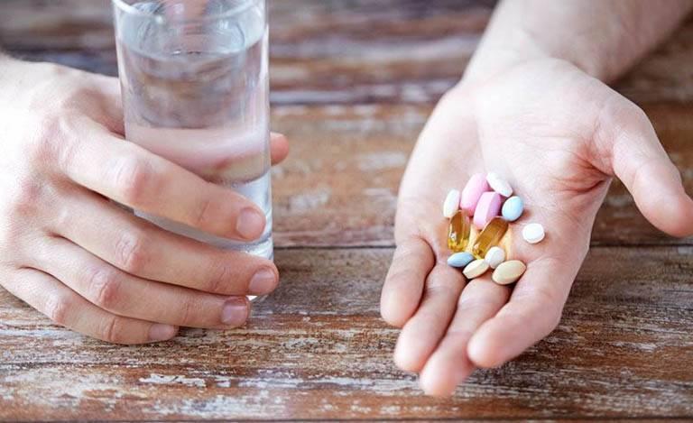 Nếu tình trạng trầm cảm nghiêm trọng, có nguy cơ hoặc hành vi gây hại cho bản thân và thai nhi thì bác sĩ sẽ cân nhắc chỉ định điều trị bằng thuốc