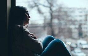 Trầm cảm theo mùa là chứng rối loạn cảm xúc theo mùa, hay xảy ra ở lứa tuổi từ 18 - 30