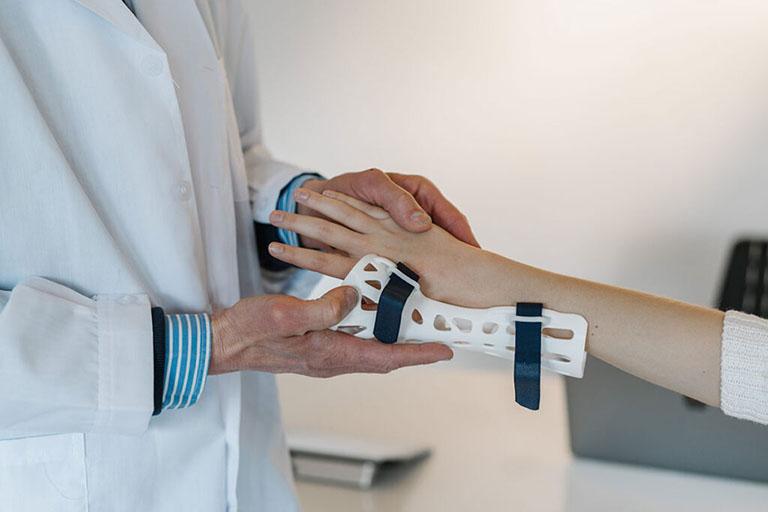 phòng khám cơ xương khớp tphcm