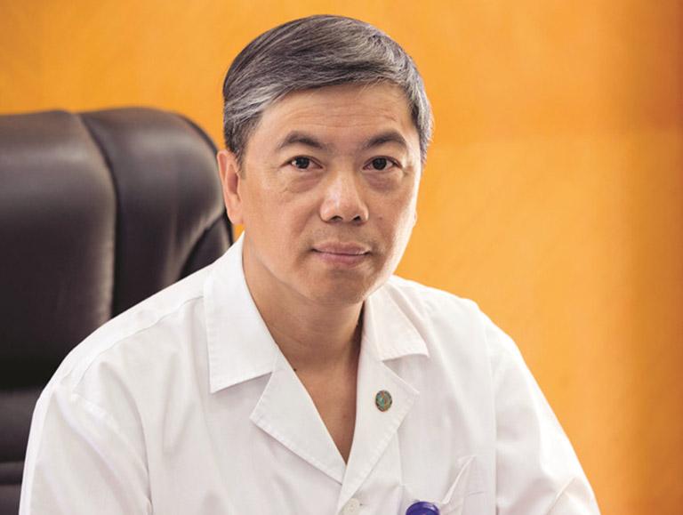 PGS.TS.BS Võ Thanh Quang chữa viêm tai giữa giỏi