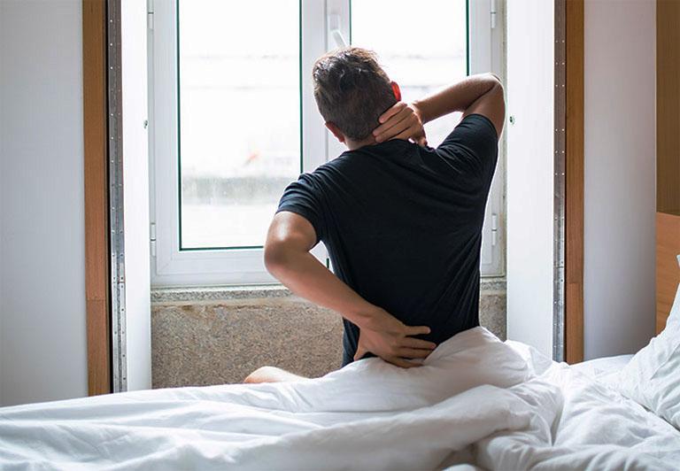 Nam giới dễ bị đau nhức cơ thể, đau cơ bắp, lao lực nếu sử dụng thuốc cường dương không đúng cách
