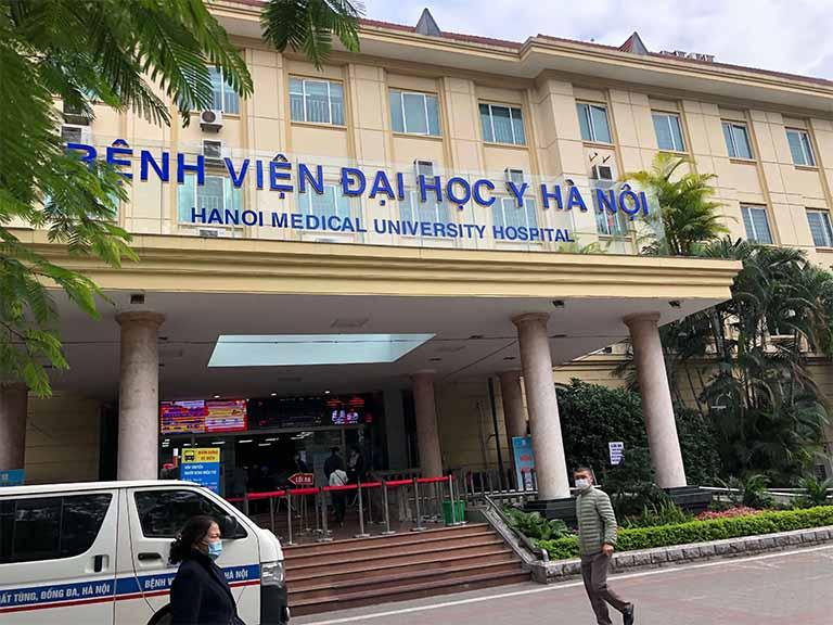 Bệnh viện Đại học Y Hà Nội có đội ngũ y bác sĩ điều trị viêm lộ tuyến cổ tử cung bằng phương pháp đốt giỏi, giàu kinh nghiệm