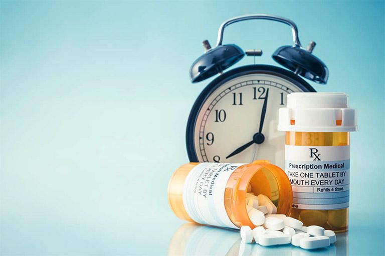 Dùng thuốc cải thiện triệu chứng chóng mặt đột ngột theo sự kê đơn của bác sĩ chuyên khoa
