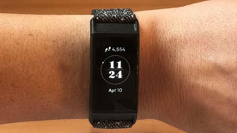 Thiết bị Fitbit Charge mang lại nhiều tiện lợi cho người sử dụng