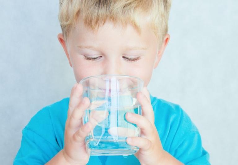 lưu ý khi dùng thuốc bổ sung vitamin C cho trẻ
