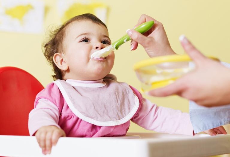 lưu ý khi cho bé dùng váng sữa