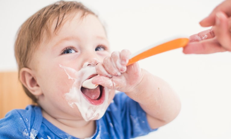 váng sữa cho bé