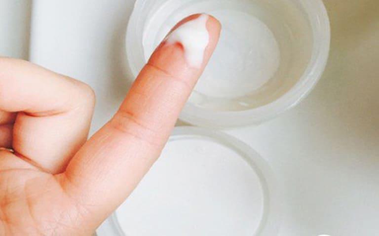 Ra huyết trắng khi mang thai