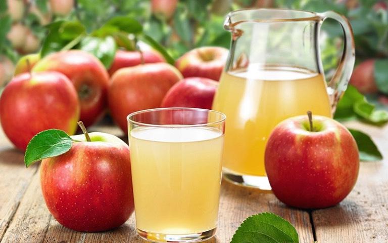 sinh tố, nước ép trái cây giúp dễ ngủ